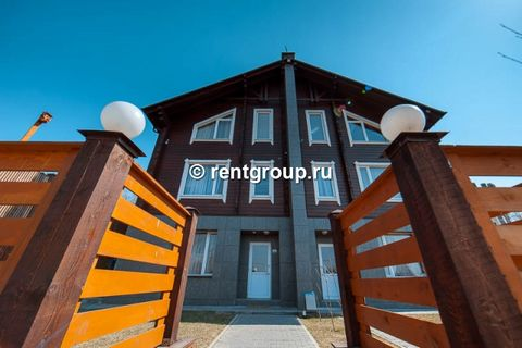 Лот №21841. Предлагаем в аренду 4х-этажный дом 180 м на участке 15 соток, расположенный недалеко от Москвы! В коттедже расположено 5 просторных, изолированных спальных комнат, три из которых с отдельными санузлами и ванными комнатами, а так же отдель...