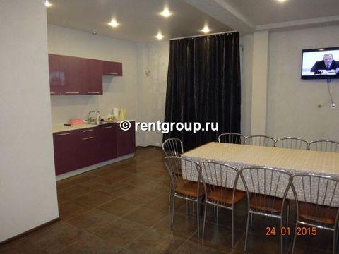 Лот №30221. Предлагаем 2-этажный коттедж общей площадью 200 м, в черте города (20 минут езды от метро Московская). В коттедже - большой холл 50 кв. м., 7 двухместных спален, кухня, баня, крытый бассейн. В каждой комнате свой санузел и душевая кабинка...