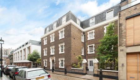 Newly refurbished apartment moments from Regent's Park and Baker Street. Newly refurbished apartment moments from Regent's Park and Baker Street. The apartment comprises a good size living room with a separate kitchen, a double bedroom and a bathroom...