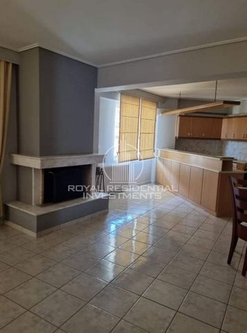 Property Code: 28720 - Apartment FOR RENT in Attika - South Alimos for €1.000. This 120 sq. m. Apartment is built on the 4 th floor and features 3 Bedrooms, Livingroom, Kitchen, Bathroom , WC The property also enjoys Heating system: Autonomous heatin...