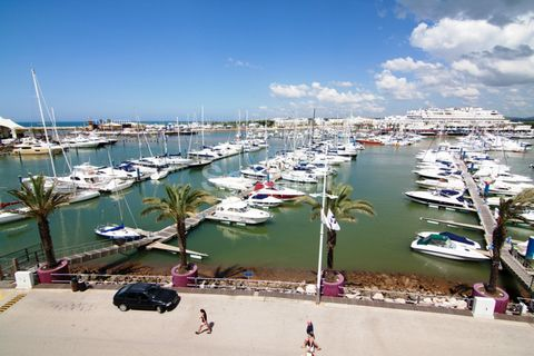 Excellent one bedroom apartment in the marina of Vilamoura, with a magnificent view overlooking the marina and the sea The apartment has been completely renovated and comprises a spacious living- and dining room, with an open plan kitchen, one bedroo...