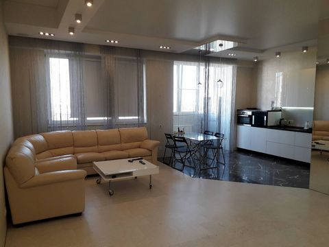 Best location in the city - just behind of Vladimir Region Goverment, Nice views from both side of apps. Free parking on the yard, security 24/7/365+ video surveliance. Absolute new huge appartments with low communal fees. No smoking, furnished, any ...