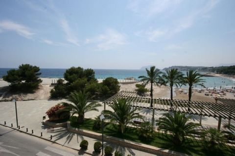 Beautiful front-Line Apartment in the Heart of Moraira TownStunning 3-bedroom apartment for long term rental, just feet away from Moraira Beach.This lovely second floor apartment with lift is composed of three double bedrooms and 3 bathrooms. The apa...