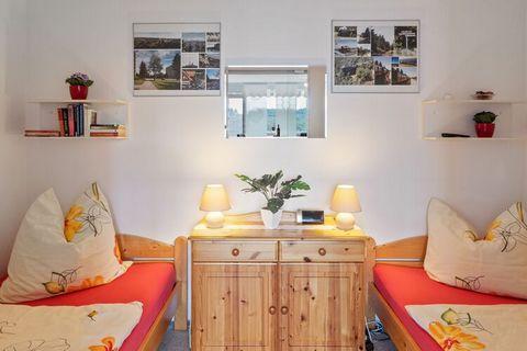 Dieses gemütliche Appartement befindet sich in der 8. Etage des Hauses (Aufzug vorhanden). Das Haus befindet sich inmitten eines gepflegten Parks am Glockenberg oberhalb des Ortes Altenau. Hier findet man zahlreiche Spielplätze, Gaststätten, Lokale u...