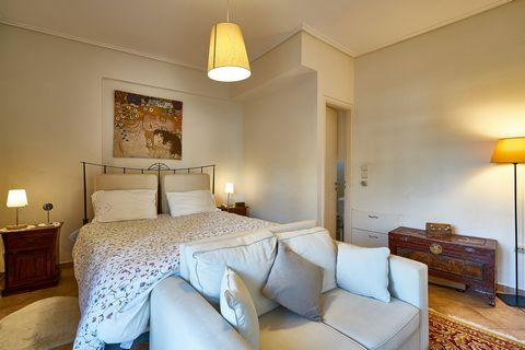 For sale a beautiful 1st and 2nd floor apartment in Palaio Faliro, Athens. The apartment measures 125sqm and it spreads in two levels. Airy, sunny and spacious, it is ideal for starting a new chapter in your life in one of the best-known areas of Ath...