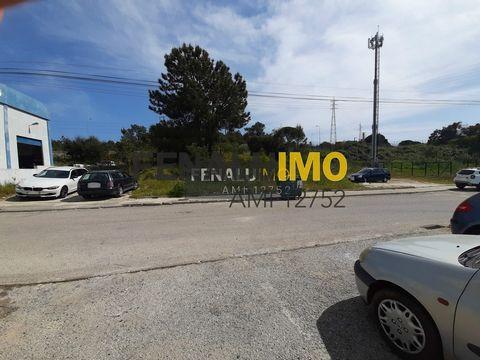 VENDA - TERRENO - 1200M2 - SETUBAL - PARA CONSTRUÇÃO Terreno em Setúbal à venda numa zona com fáceis acessos ao centro de Setúbal e Palmela, às saídas de Setúbal por estrada nacional ou autoestradas, com uma localização privilegiada. O terreno conta ...