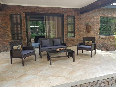 Superb Three Bedroom House Komatipoort Mpumalanga South Africa Euroresales Property ID – 9825087 Property information: This newly built (Dec 2017) large three-bedroom (en-suit main); two-bathroom; modern house, is situated in the heart of Africa, nex...