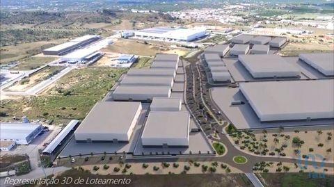 Lote Industrial Lote de Terreno para Construção Industrial em Algoz Com área de 40866 m2 Algarve Central Park Com uma Localização Privilegiada, central na região Algarvia, próxima da auto estrada A22, da EN125, o loteamento é atravessado pela EN526 D...