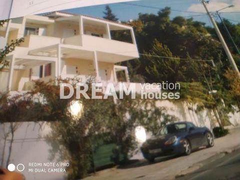 Description Asteroskopeio, Residence complex For Sale, 700 sq.m., In Plot 2000 sq.m., Property Status: Amazing, 4 Level(s), 6 Bedrooms (2 Master), 2 Kitchen(s), 6 Bathroom(s), 4 WC, Heating: Autonomous - Petrol, Energy Certificate: B+, Floor type: Gr...