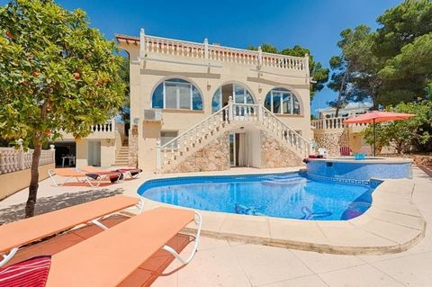 This sea view villa for sale in Benissa / Moraira is located in the district of San Jaime, one of the best areas of Benissa. The property has a private pool, a jacuzzi and incredible panoramic views of the sea and the mountains. . Only 200m away from...