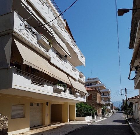 For sale an apartment in Kyparissia (Messinia) in a quiet neighborhood, seaside, 91 sq.m, 1st, 2 bedrooms, built in '97, bathroom, open plan kitchen, autonomous heating, aircondition, security door, awnings, garden, partial refurbishment '18, luxurio...