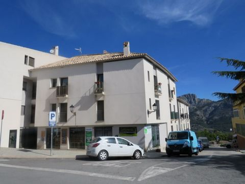 Modern Duplex with two bedrooms and two bathrooms in the beautiful village of Benimantell, with magnificent views of the mountain and the Guadalest Valley.and#13;The American kitchen is situated in the large lounge diner with vaulted ceilings increas...