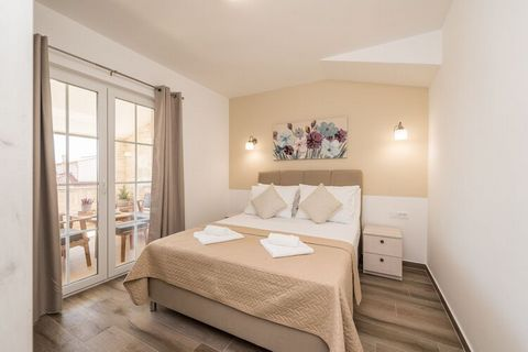 Villa St.Vid 5 is a newly built, beautiful stonehouse villa located in Privlaka/central Dalmatia that can accommodate up to 6 persons. On the first floor there are 3 bedrooms with double bed and three en-suite bathrooms. Two bedrooms have an exit to ...