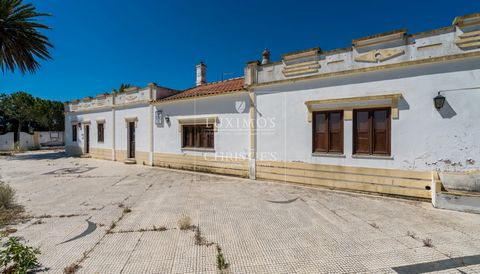Real estate property with views to the mountains,  for sale in Alcantarilha in the Algarve in Portugal. House with 4 bedrooms, 3 en-suite , large living and dining room, spaciousopen-plan kitchen, and a open garage with capacity for 6 cars. On ...