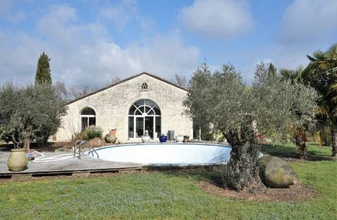 Tastefully restored River Side country residence, no neighbours or busy roads, situated up a long drive, on the site of the old mill house around 370 m² with pool and stable block 150 m² currently set in around 7000 m² of land (with the potential of ...