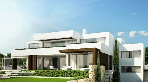 This fantastic villa has been designed to be built on a very beautiful plot in the luxurious area of Sotogrande. It will have 6 bedrooms, 6 baths en-suite, 2 guest toilets, lounge, dining area, totally fitted kitchen with pantry and breakfast area, l...