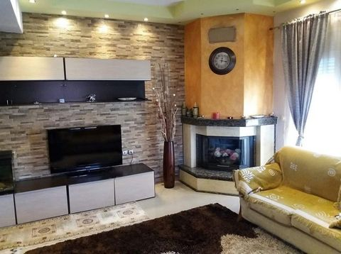 For sale house of 434 sq.m. at first finger of Chalkidiki peninsula in Afytos. Year of construction 1978. The ground floor has a living room with kitchen, dining room, 3 bedrooms and a bathroom. The first floor has a living room, a kitchen, a dining ...