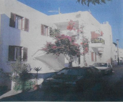 For sale an apartment of 96 sq.m. at first floor, corner, with 2 bedrooms, large living room, comfortable kitchen, a bathroom, hall and corner terrace overlooking the sea. Very bright, airy, with independent access to the terrace. Additional feature...