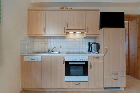 Ten apartament posiada wysokiej jakości wnętrza i oferuje przytulny pobyt dla rodziny lub grupy przyjaciół. W najbliższej okolicy jest wiele do zrobienia, a nieruchomość posiada balkony i taras. Znajduje się w centrum Neukirchen ze sklepami, kawiarni...