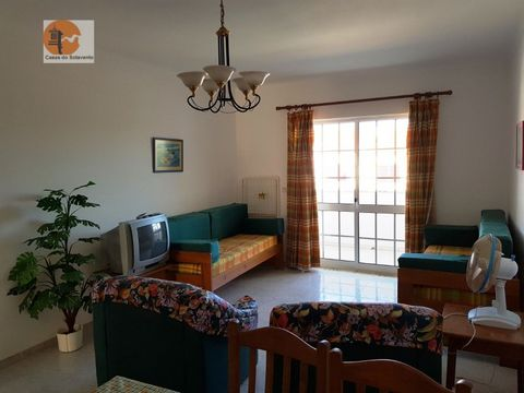 Apartment in Altura, situated in a quiet area. Consisting of 1 bedroom, 1 WC, 1 living room,! Kitchen. This property has a balcony facing the room, and has as security, a gate that is closed and open, only by residents of it. Lease from October to Ju...