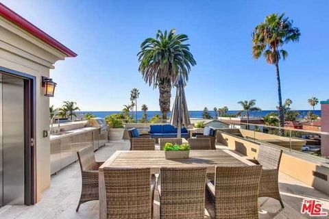 Detailed Description: Welcome to Elysian – Villas at Windansea Beach – Panoramic West Facing Ocean Views from the THE POSEIDON SUITE. The most spacious and amenity rich unit in the complex. Abundant light, stylistic design, one block to the white san...