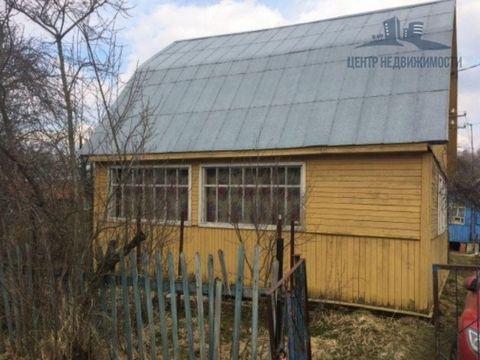 Продаётся дача в СНТ «Первый Субботник», д. Смолево, Орехово-Зуевский р-н. На участке двухэтажный каркасный дом (15 см брус), не утепленный. Общая площадь дома 96 м2. На первом этаже терраса и 2 комнаты. На втором – две комнаты. Фундамент – бетонные ...