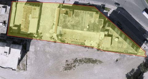 For sale a large piece of commercial land in a perfect location in Laranca New Marina area. This great piece of Land is approx. 3106 sq. meters and it take place in between two zones Eb1 & Eb2. The 62% of the whole land has a build density of 200% an...