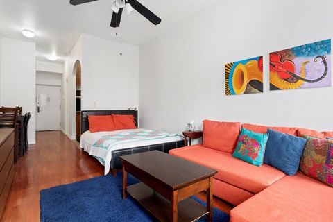 A charming studio in the heart of the Upper West Side now available. This beautiful unit features a high ceiling with a large, living space, brightly lit by to two West-facing windows. A long hallway leads into a sizeable, marbled full-bathroom, and ...