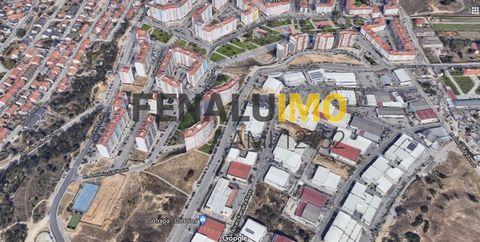 Lotes - Terrenos - para construção - Prédios - Investimento - Corroios - Margem Sul Para investimento, vendem-se diversos lotes Mistos para construção de prédios em Santa Marta do Pinhal - Corroios. Na totalidade são 9 lotes: 1 - Area do lote ...