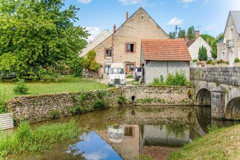 Cette agréable maison de vacances à Châtillon-Coligny dispose d'un parking et d'un bel emplacement, juste à l'extérieur du centre. Le logement est idéal pour des vacances reposantes en famille. Dans le centre pittoresque de Châtillon-Coligny, vous tr...