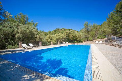 Apartamento para 2 ó 3 personas en Arta emplazado en una antigua posesión mallorquina del Parc Natural de Llevant Disfruta de la paz y la tranquilidad en un lugar idílico de bosques y campo donde la piscina compartida de cloro de 15 x 5 metros y con ...
