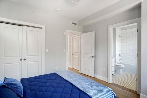 Located in the heart of East Boston's most premier neighborhood, Jeffries Point, this ground up, free standing new development offers 3 - two bed/two bath units. All units include one outdoor private parking space and a private storage unit in the co...