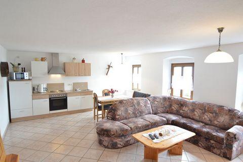 In einer wunderschönen, ländlichen Umgebung, im Hunsrück, befindet sich dieses moderne und gut eingerichtete Haus. Die Ferienwohnung mit dem Namen Hunsrückstube ist komfortabel und großzügig eingerichtet. Sie verfügt über alle Annehmlichkeiten. Es gi...