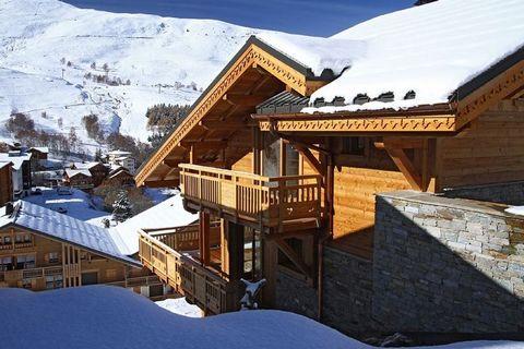 Le Chalet Husky est un chalet confortable et chaleureux situé dans la partie supérieure des Deux Alpes. La piste bleue ne se trouve qu'à 80 m. Commerces, bars, restaurants et une école de ski à environ 600 m (également accessible par le ski-bus gratu...