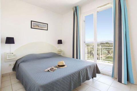 Nous proposons pour la Résidence Saint-Aygulf trois types d'appartements. Tous les appartements sont riches en couleurs et fournissent tout le confort nécessaire. Il y a des appartements pour 2-5 personnes (32m²)(FR-83370-07) au rez-de-chaussée ou à ...