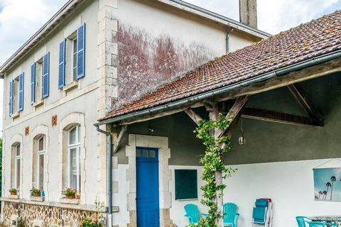 Comforting holiday home in Limousin, France with 2 bedrooms which can accommodate up to 4 people. The homely property amid the forest is ideal for friends. Lake nearby. With a convenient location, general supplies in 10 km and the lake is available i...