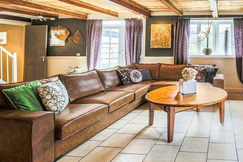 Deze verzorgde vakantiewoning maakt deel uit van een stolpboerderij in het Noord-Hollandse Egmond aan Zee. Het appartement beschikt over 4 slaapkamers en is zeer geschikt voor een vakantie met familie of vrienden. De boerderij, tegenwoordig een monum...
