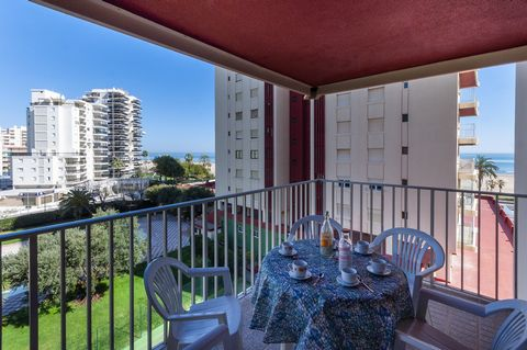 Welcome to this beautiful apartment in Playa de Gandía.With seaviews and communal swimming pool, it offers accommodation to 4 guests. The private terrace of the apartment is the fitting place to enjoy of having a delicious breakfast while you stare a...