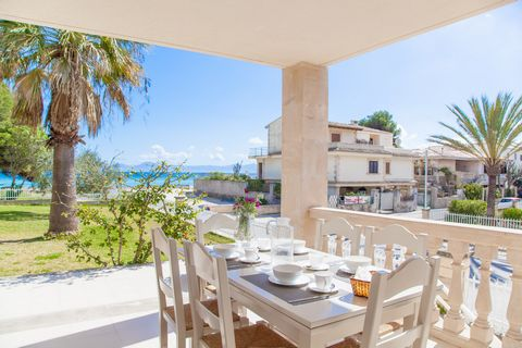 Enjoy the beach in this apartment for 4 people by the sea in Puerto de Alcudia Discover this beautiful apartment located on the ground floor of a fenced apartment block of 4 holiday dwellings. It offers a shared garden with up to 12 sun loungers and ...