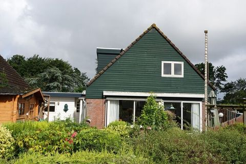 Stay in this pleasant holiday home located in a great location, close to the Oosteruine lake and the North Sea. The accommodation is equipped with all conveniences and is ideal for a family holiday. The Oosteruine more is a few steps from the house (...