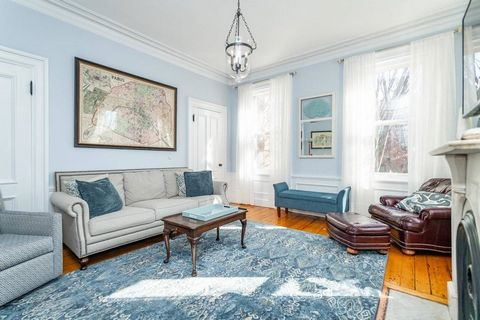 Elegant, refined Victorian on coveted Chestnut St nestled between Monument Square and Training Field in one of Boston's most historic and charming neighborhoods. Unmatched TWO FULL ON SITE PARKING SPACES, PRIVATE ROOF DECK WITH EXCEPTIONAL CITY SKYLI...