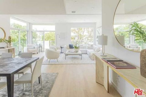 Detailed Description: Located in the heart of the flourishing, hottest section of West Hollywood, Orlando 9, or The O9, is close to every convenience – shopping, dining, nightlife, not to mention LA's own Pacific Design Center, a mere few minutes wal...