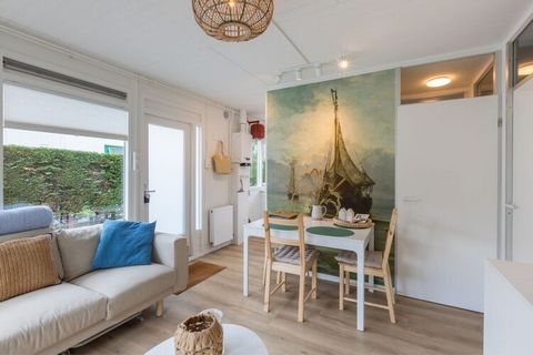 'Bij Bert aan Zee' maak je herinneringen, ontspan je, heb je lief, geniet je, rust je uit & meer! Welkom in onze vakantiewoning in Zoutelande. De recent geheel gerenoveerde woning (juni 2020) biedt een sfeervol, hygiënisch, praktisch en comfortabel o...