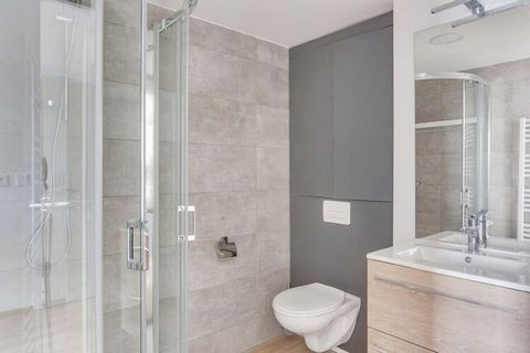 Résidence La Marina is located opposite the casino, near the marina of Boulogne-sur-Mer. The modern, medium-sized building has 8 floors and offers modern studios and apartments for 2 up to 6 people. They are all furnished in a comfortable and nice wa...