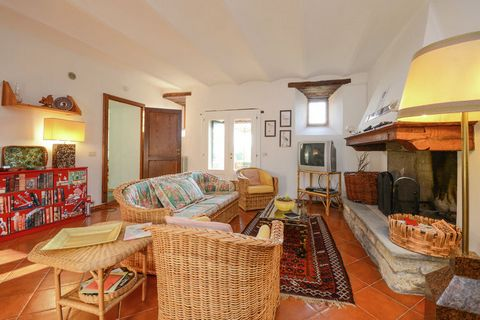 This delightful 3-bedroom villa in Emilia-Romagna can comfortably accommodate up to 6 people. Located in Tredozio, this is an ideal vacation home for a small group or a family with children. There is a shared swimming pool, operational from mid of Ma...