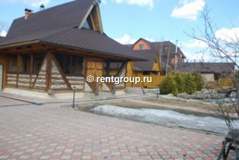 Offer №22345 offer to rent a cottage 200sq.m. (wood - one level) for 15-20 people. The cottage is rented out for parties, corporate events, birthdays and just a fun holiday with friends. The cottage has 3 bedrooms, a spacious kitchen (equipped with b...
