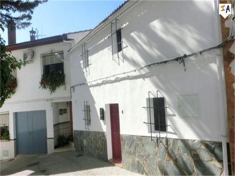 Situated in the charming and lively village of Mures, just a short drive to the bustling town of Alcala la Real in the Jaen region of Andalucia this 183m2 build, 3 double bedroom, 2 bathroom Townhouse boasts great outside spaces and views over the co...