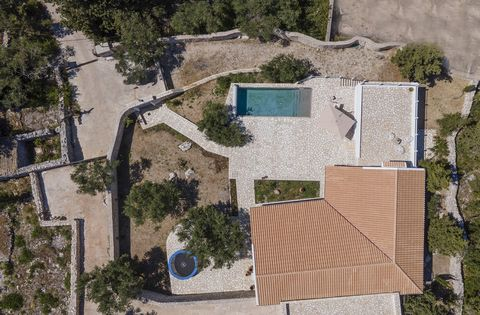 If you want to get a unique villa on the amazing island of Paxos, this is your chance! In a lush plot of 1,170 sq.m., there is a wonderful villa with a total area of 260 sq.m. built of wood and stone. Bright and airy, ideal for romantic souls who lov...