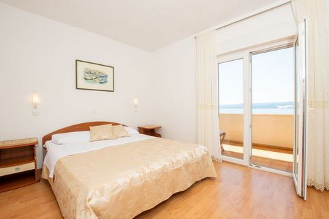 This comfortable apartment is in Celina and offers breathtaking views and close proximity to the sea. It is ideal for a family and can accommodate 4 guests. This apartment has 2 bedrooms and a shared swimming pool for you to relax and get rejuvenated...