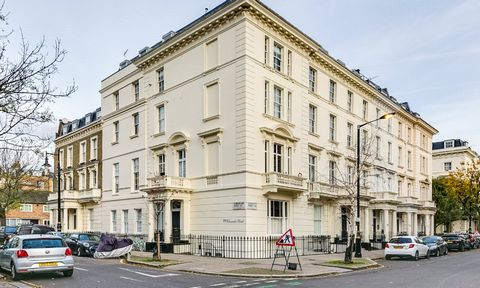 Apartment located in a well-kept building a few steps from Warwick Square and Victoria Station, consisting of a well-lit living room with kitchen, bedroom and bathroom.
